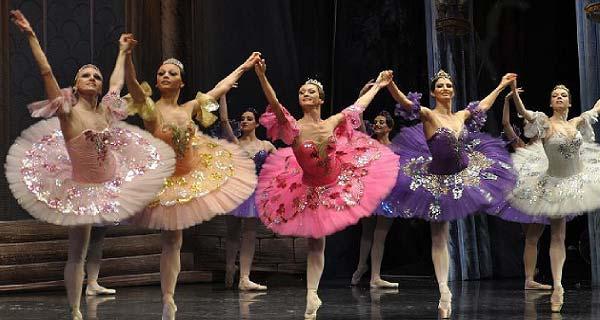 ballet-de-moscu-el-cascanueces-se-presentara-en-almun%cc%83ecar