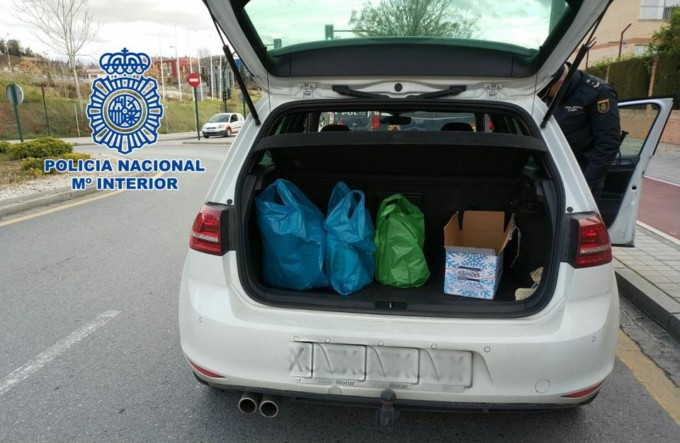 esquejes-coche-policía-nacional