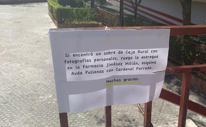 cartel perdida fotos