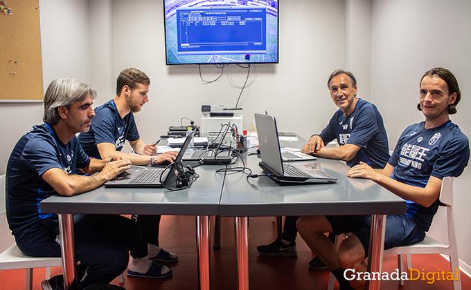 Entrenador Granada CF (14)