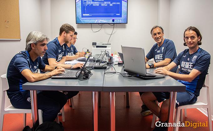 Entrenador Granada CF (17)