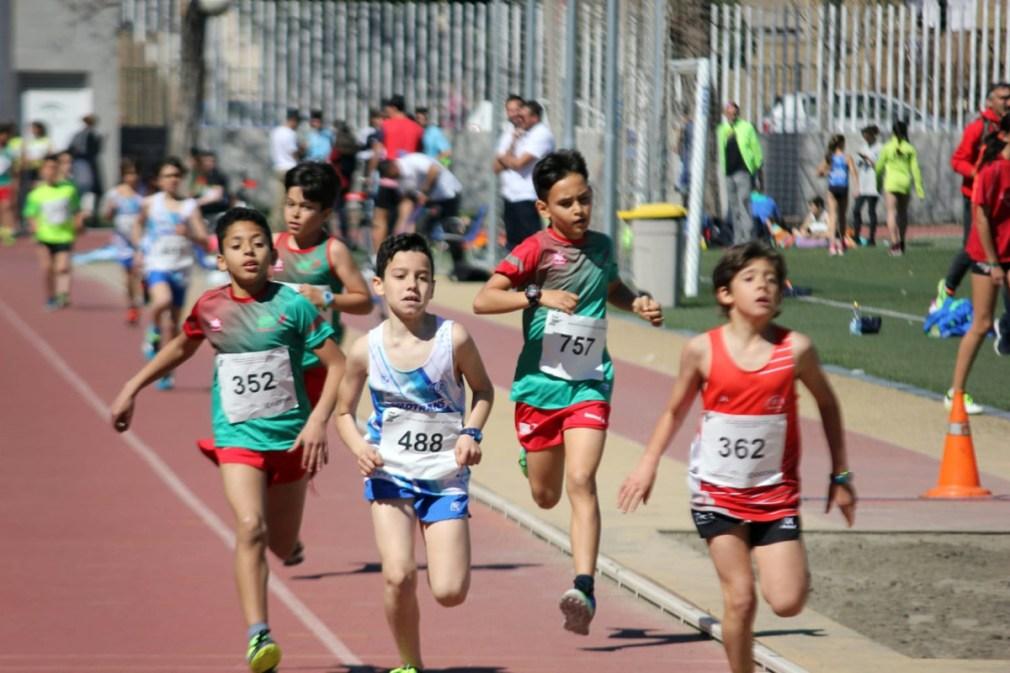 niños atletismo triatlon atarfe