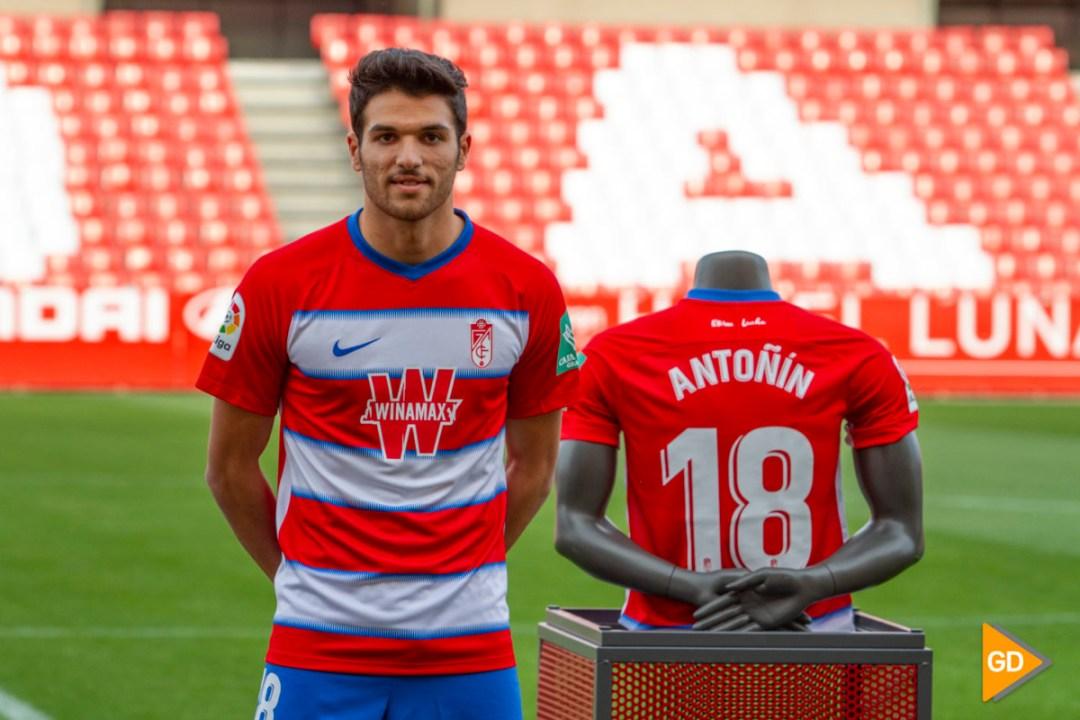 Presentacion de Antoñin como nuevo jugador del Granada CF