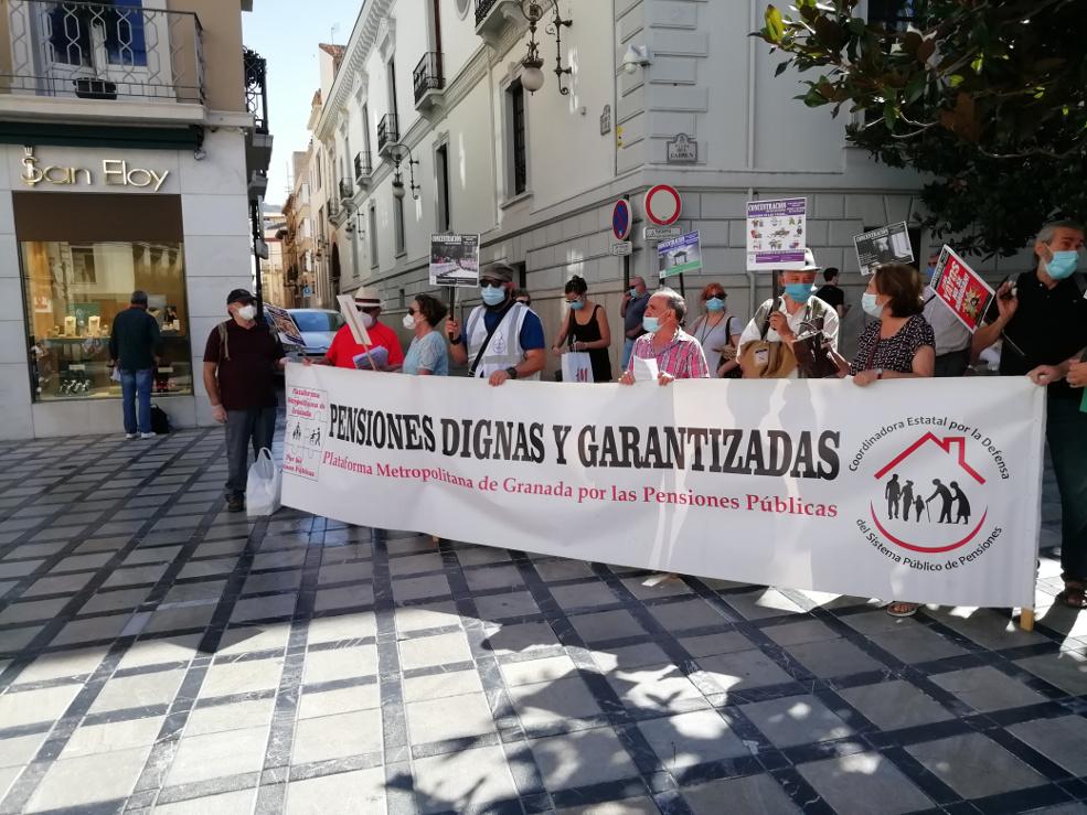 Pensionistas Pensiones Granada Plaza del Carmen