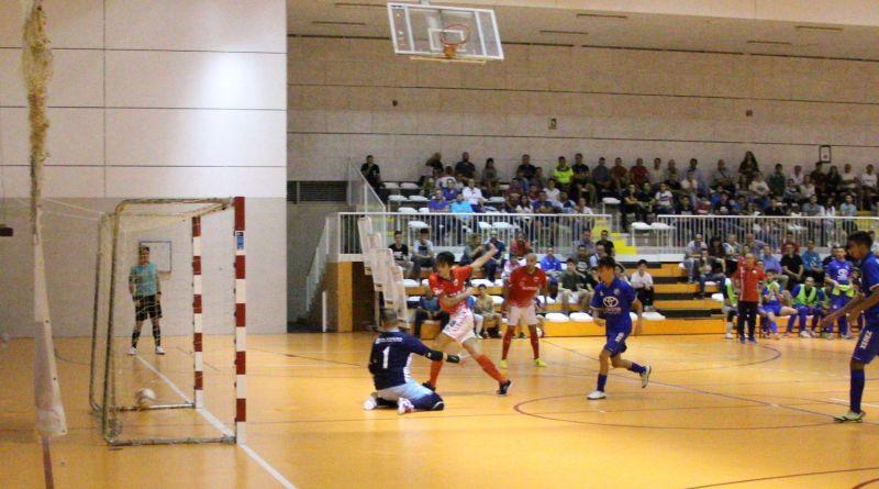 SIMA Peligros Fútbol Sala pierde ante el muro azulón en el inicio de campeonato