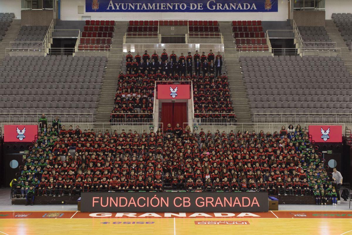 Nace Zona Fénix para acercar el baloncesto de Fundación CB Granada