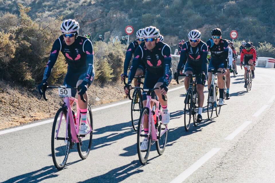 El equipo ciclista Manuela Fundación consigue éxitos durante el fin de semana