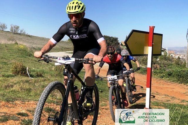 Nacho Ruiz y María Díaz no fallan en la prueba ciclista en Ogíjares