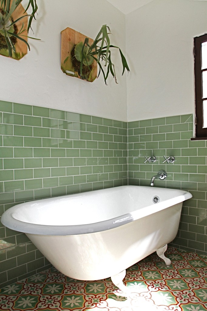 how to tile a bathroom wall granada