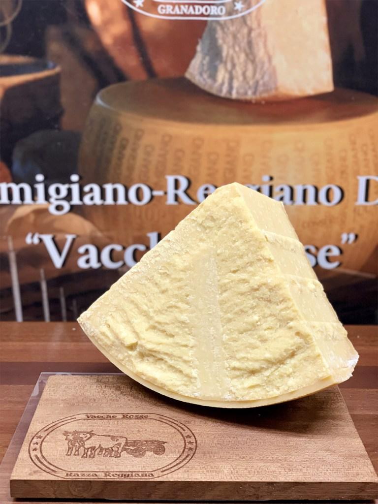 Parmigiano Reggiano vacche rosse Grana d'Oro, razza reggiana porzione