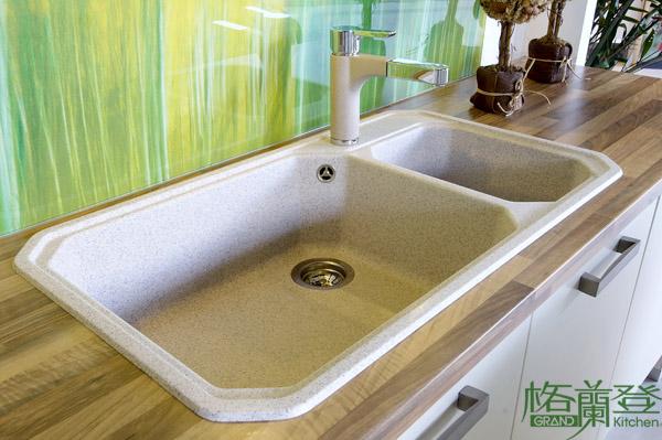 ceramic kitchen sink clocks wine theme 挑一個適合的廚房水槽 減輕您的廚房繁雜工作 格蘭登廚具 單槽與雙槽