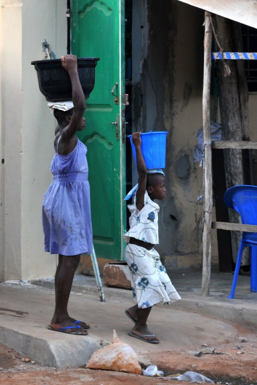 Pénurie d'eau à Lomé F13_2106