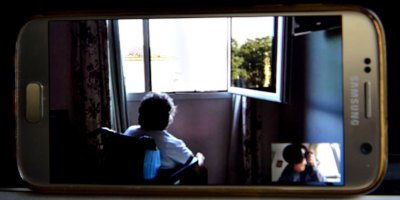 Cómo es la vida de una abuela con párkinson en una residencia donde hay coronavirus