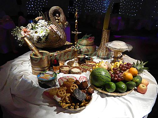 table wedding arrangements