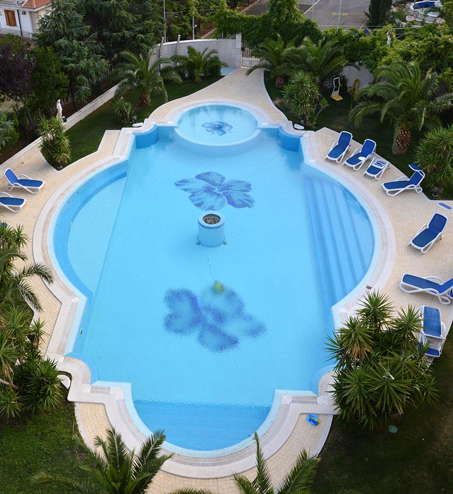 Hotel 4 stelle con piscina a San Giovanni Rotondo  Grand