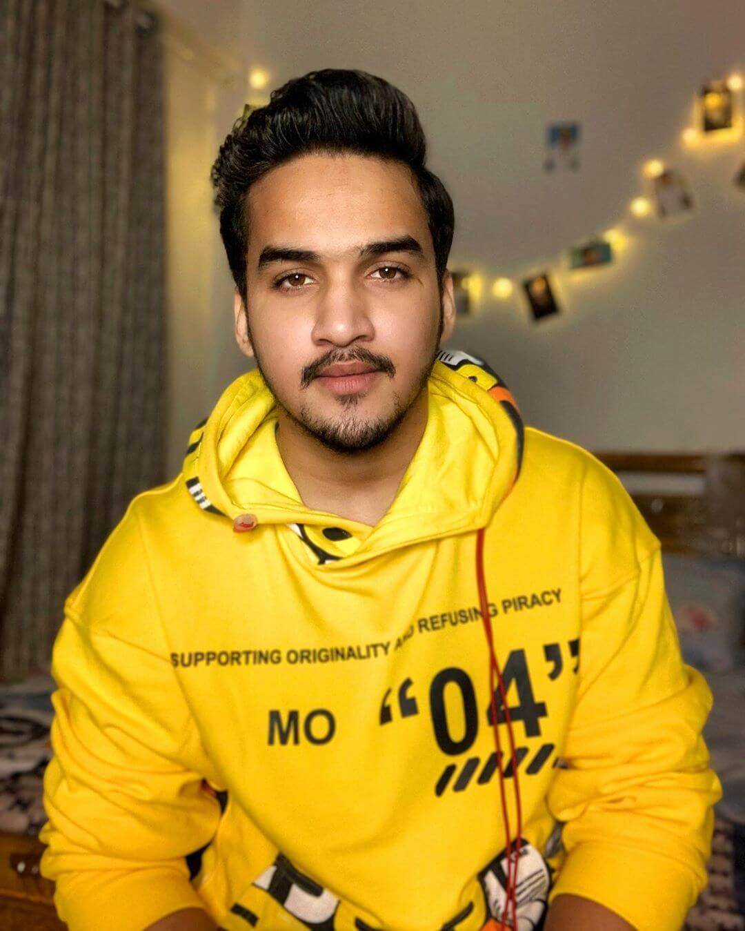 Faisal Khan height and age