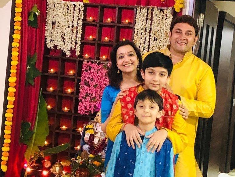Rajesh Kumar wife and son