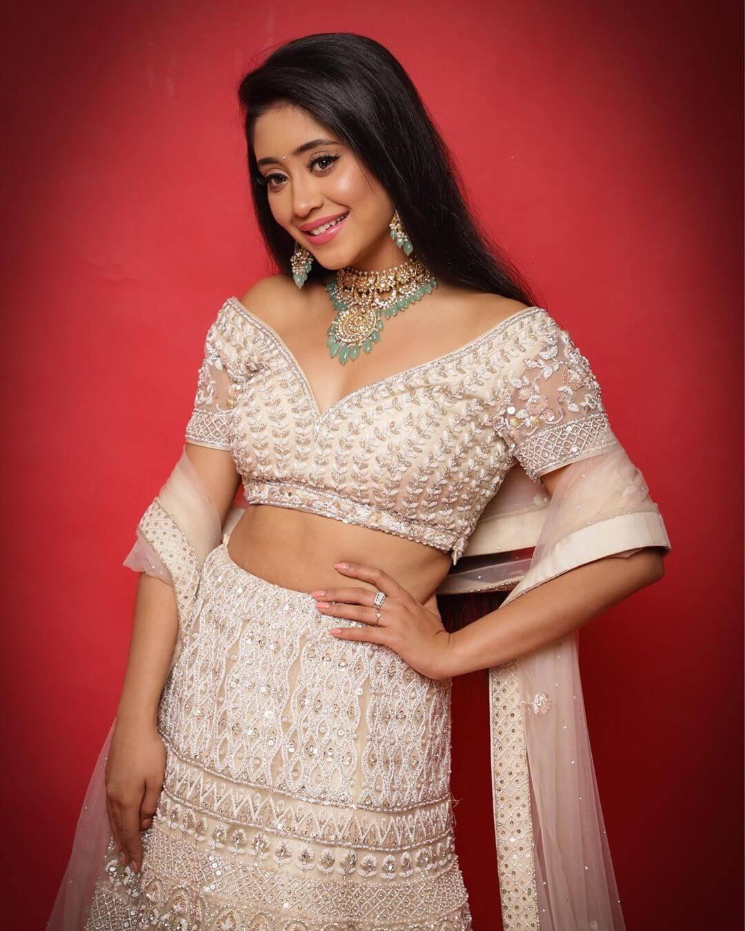 Shivangi Joshi education