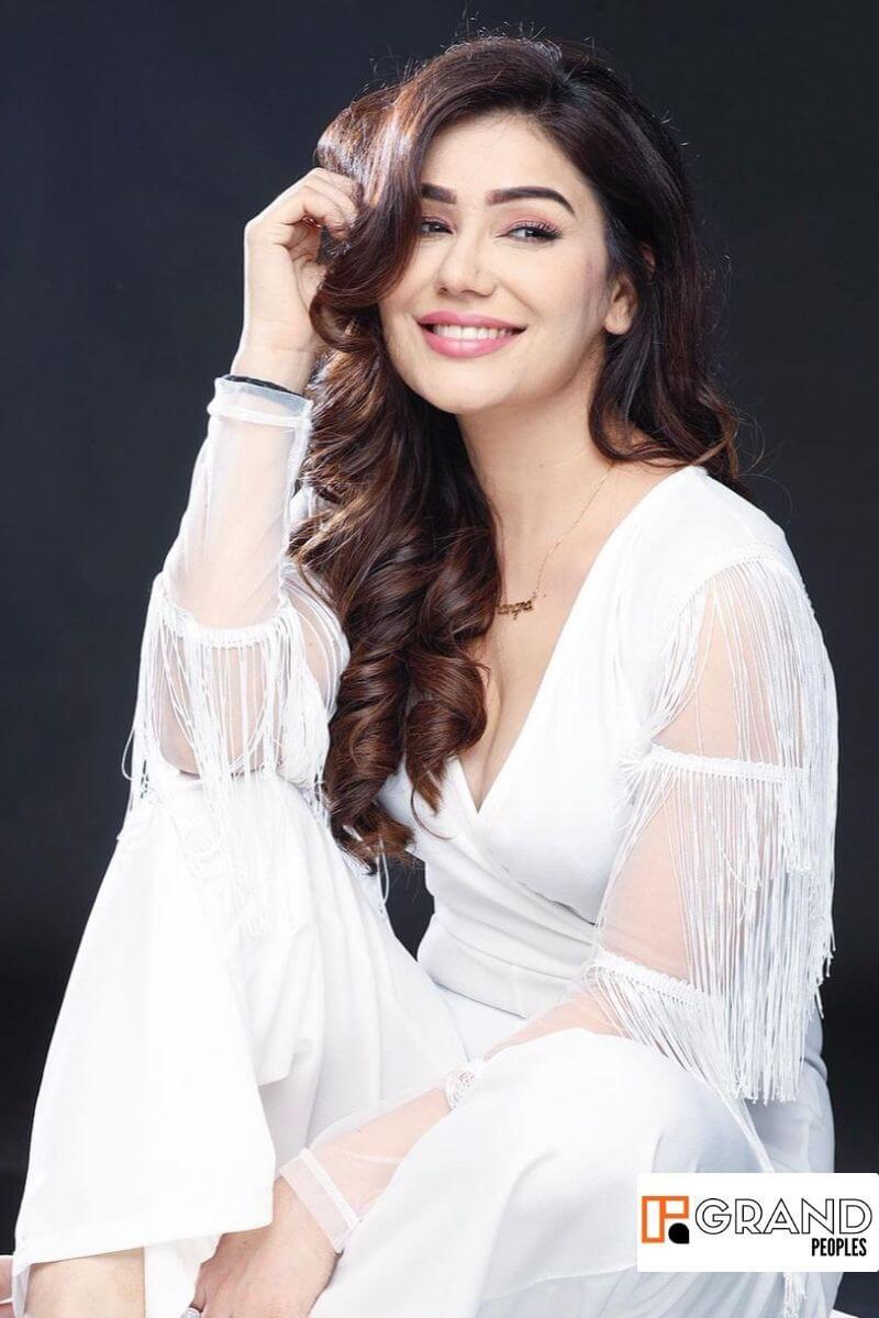 actress Kangna Sharma