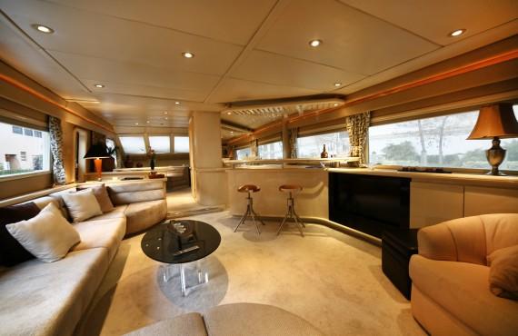 Grand Yacht ClubEntertaining Salon Grand Yacht Club