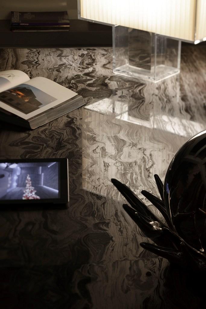 tavoli consolle oggetti in marmo granito pietra