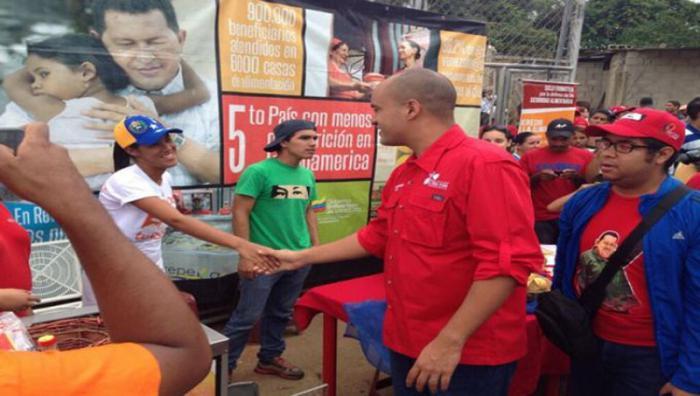 El vicepresidente para el Área Social, Héctor Rodríguez, hizo el recorrido por el pueblo de Guarenas, en el estado de Miranda. FOTO: AVN