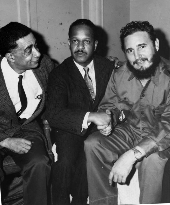 Dirigentes de prestigiosas instituciones negras de Estados Unidos visitaron a Fidel Castro luego de su decisión de aceptar el ofrecimiento de alojamiento del hotel Theresa, en Harlem.