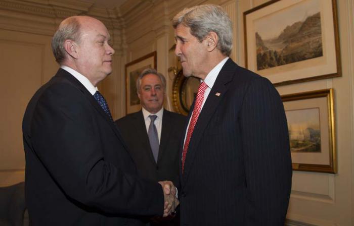 John Kerry, secretario de Estado de Estados Unidos, recibió en horas del mediodía del jueves al ministro cubano de Comercio Exterior y la Inversión Extranjera, Rodrigo Malmierca.
