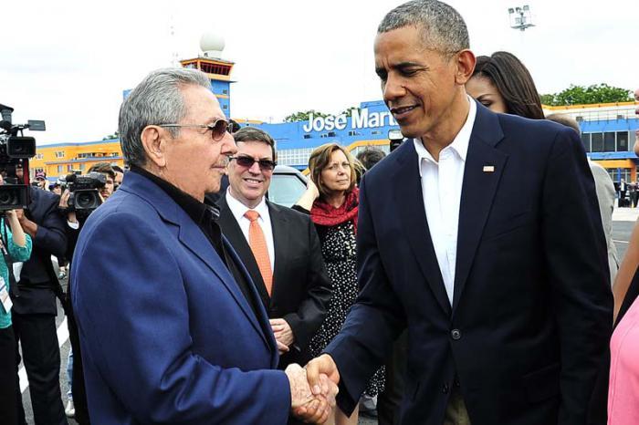 Despide Raúl a Obama