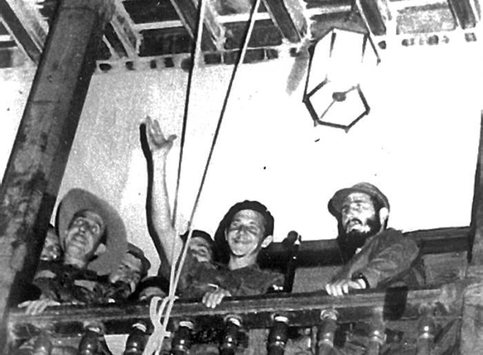 Fidel Santiago de Cuba. enero 59 Publicada: 01/01/2001 Fide4031