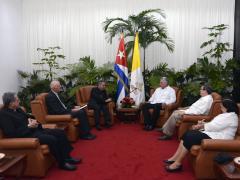 Miguel Díaz-Canel Bermúdez y el Cardenal Giovanni Angelo Becciu intercambiaron sobre temas relevantes de la agenda bilateral y el estado positivo de las relaciones.