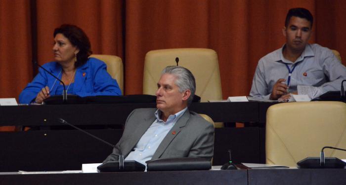 Cuarta sesión extraordinaria de la IX Legislatura de la Asamblea Nacional del Poder Popular, presidida por Miguel Díaz-Canel Bermúdez, Presidente de los Consejos de Estado y de Ministros, Esteban Lazo Hernández, presidente de la ANPP.