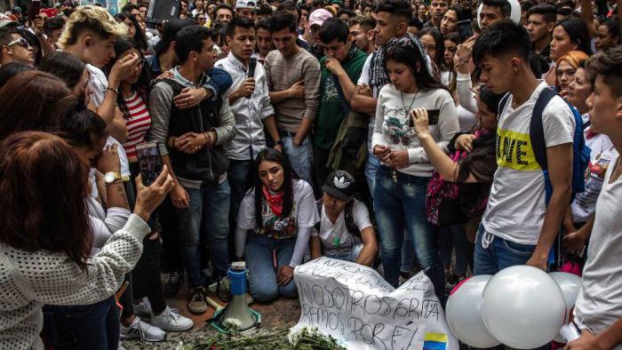 Dilan Cruz fue muerto por el escuadrón antidisturbios de la policía colombiana el 23 de noviembre, el mismo día en que se graduaba de bachiller. Foto: El País