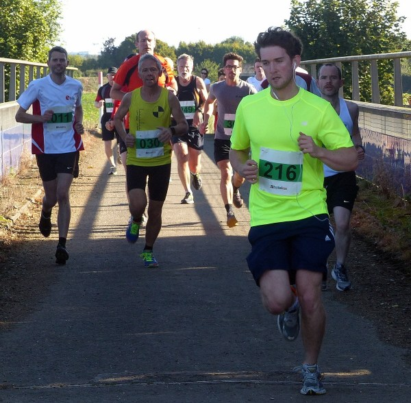 from left Andrew Evans, Calvin Sambrook infront of Peter Morrison but being led by Simon Bubien