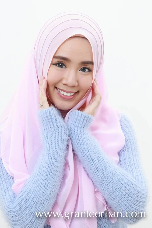 felixia yeap model shoot in hijab