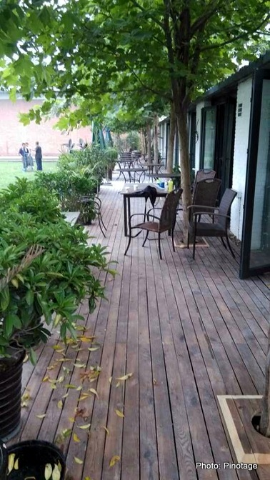 pinotage plaza shunyi restaurant bar coffee shop imported foods toby cao amber deetlefs (1)