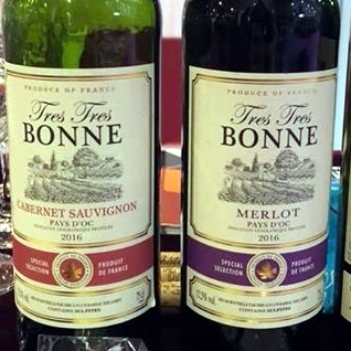 funny wine labels very very via helene ponty