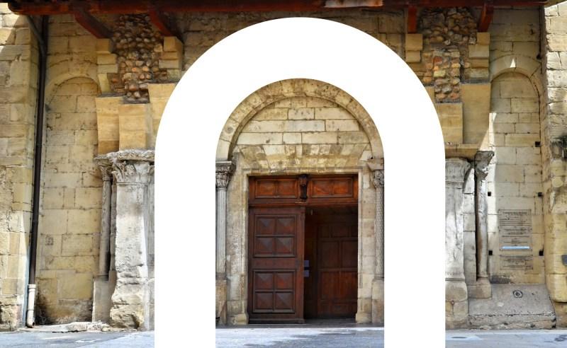 fronton-art-roman-logo-cite-medievale