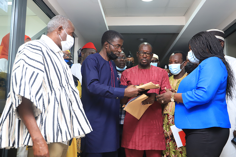 Mr Hajj Abdul Manam Abdul Rhaman (2nd left), President of COMOG, presenting the memorandum to Akua Durowaa Owusu-Agyekum (right), Secretary, Committee on Constitutional, Legal and Parliamentary Affairs. Picture: SAMUEL TEI ADANO