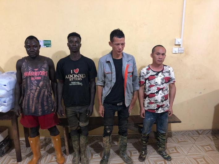 2 Chinese nationals arrested for illegal mining in forest 7