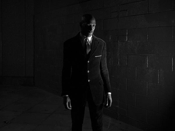 Rupert Vandervell, The dark corner