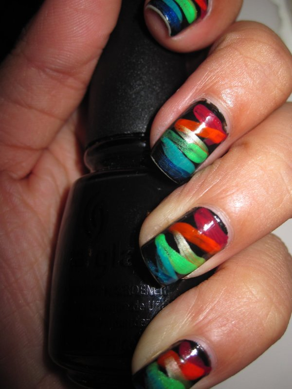 Cool Nail Design Day - Graphicsbeam