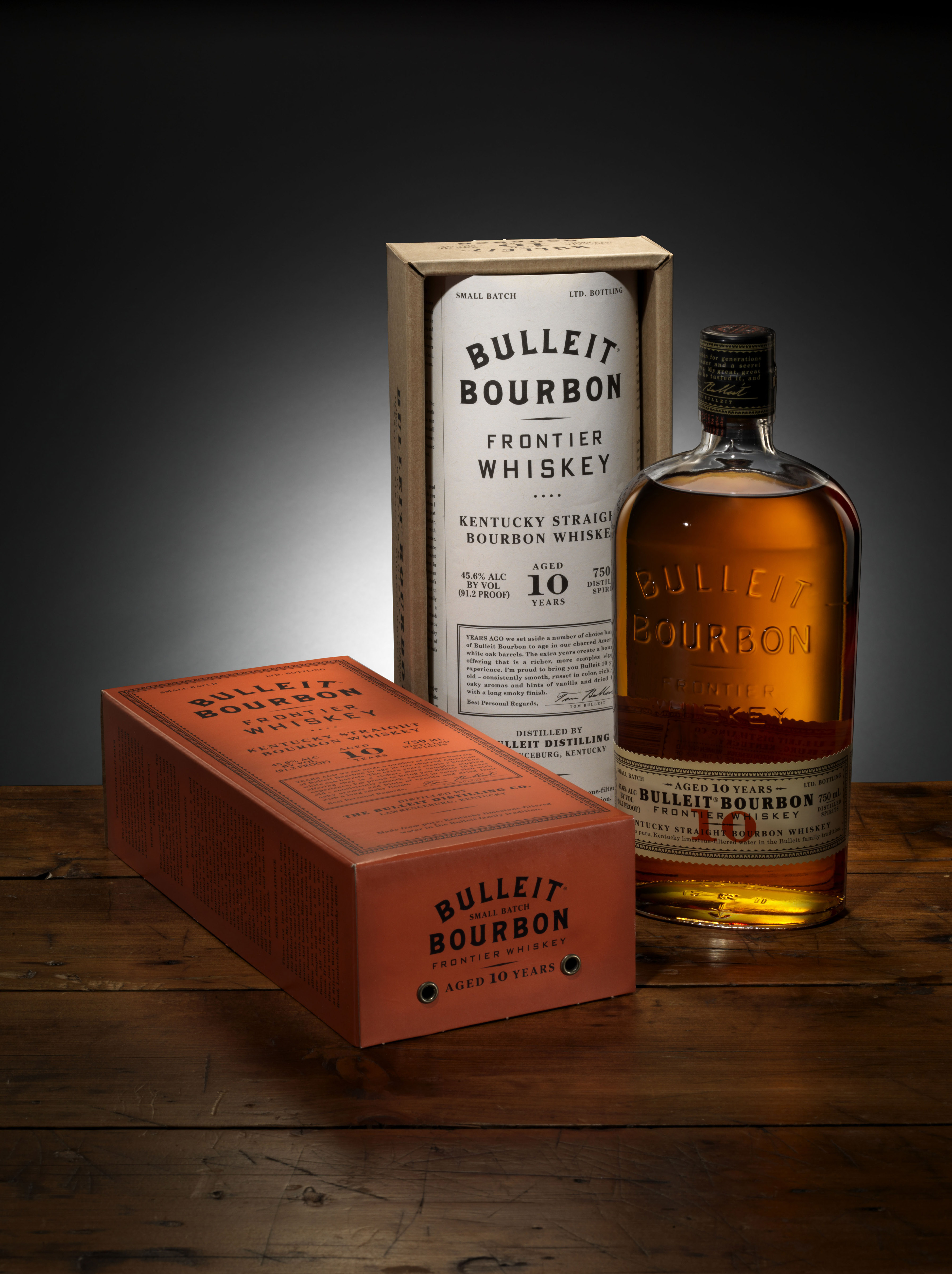 Bulleit Bourbon Aged 10 Years  Graphis