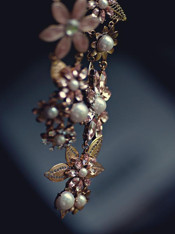 flower necklace jewel decor idea