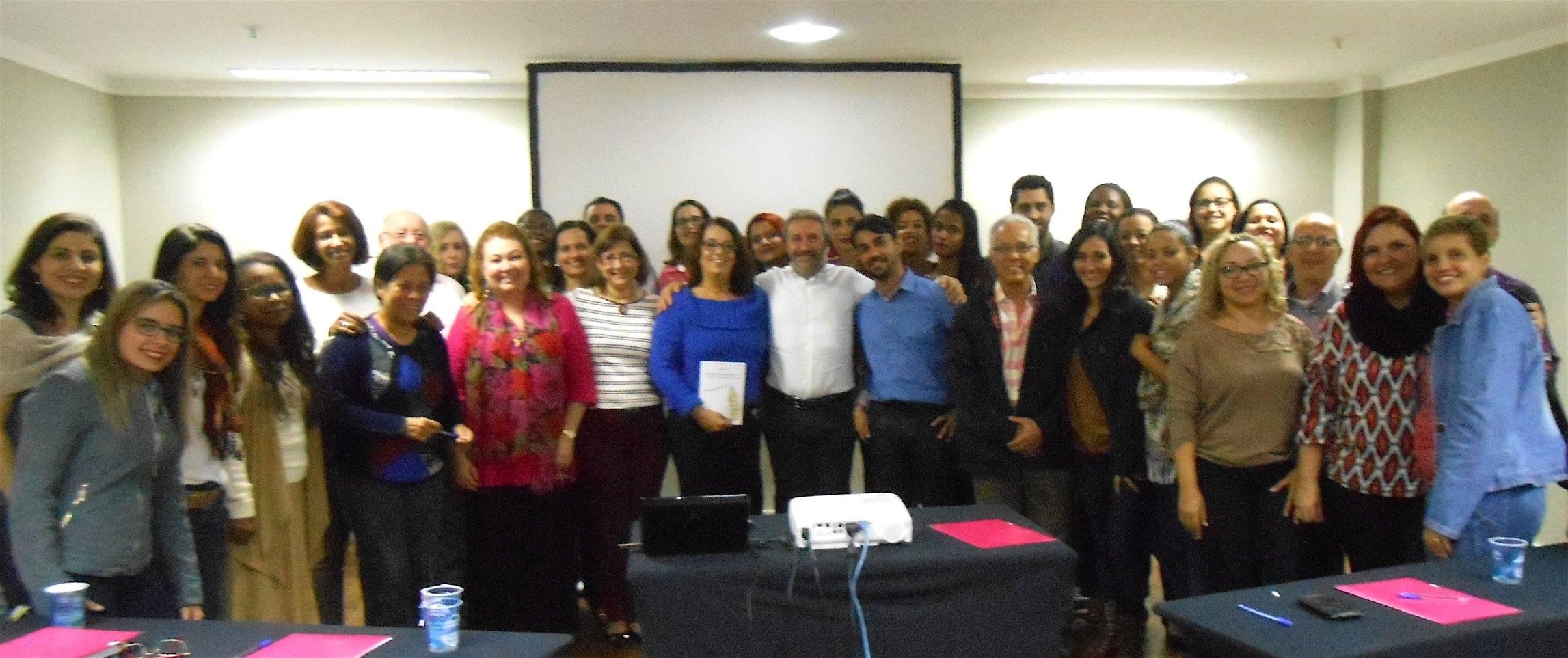Turma do seminário de Grafopsicologia do crime, drogas e violência