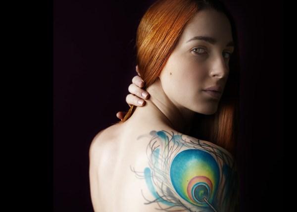 Graphylight, André Alessio, Dos nu, Femme, Tatouée, Rousse, Plume paon