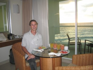 Yum! Fresh juices and fruits! Breakfast in our room before our Chichen-Itza tour