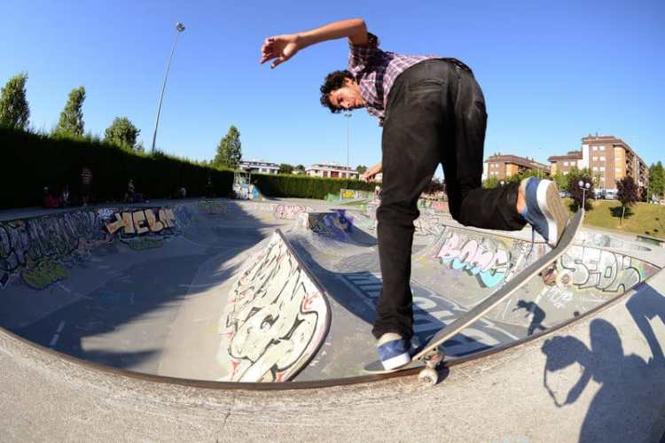 federico gonzalez-backside-overcrooks-bilbao- PH: gaston francisco