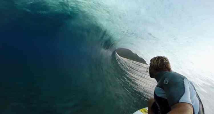 Metete al agua a surfear ahora en Tahiti, cámara 360