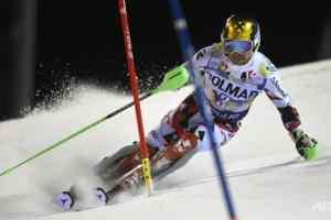 El esquiador Marcel Hirscher se salva de ser golpeado por un dron